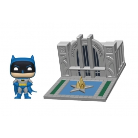 POP! Vinyl Town: Batman 80 Years - Batman with the Hall of Justice 09